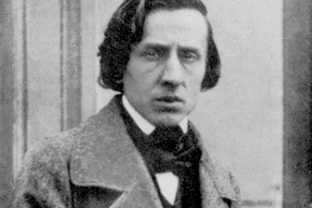 Foto av Chopin (daguerreotypi) taget av Louis-Auguste Bisson omkring 1847 i hans studio på 65 rue Saint-Germain l'Auxerrois i Paris.